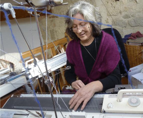 Liliana qui tricote